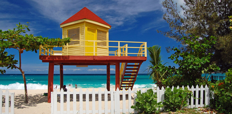 Grand Anse beach - lifeguard station